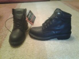 Steel toe cap safety boots