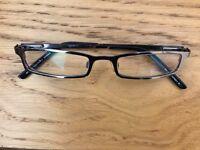 Red or dead precipitation glasses