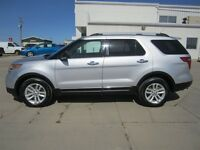 2013 Ford Explorer XLT AWD with Rear DVD, Reverse Sensing System