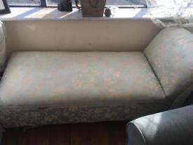 Lovely chaise longue
