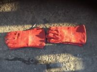 Welding gloves 2 pairs for sale