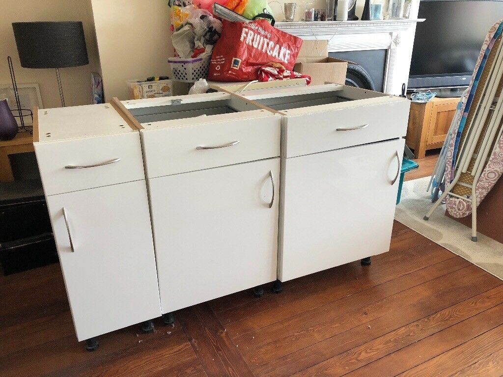 B Q Santini Gloss White Slab Kitchen Units 3 Base And 1 Wall Great Condition In Brighton East Sussex Gumtree
