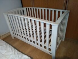 Mamas and Papas Alpine Cot Bed in white