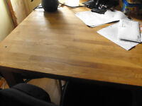 Sturdy oak dining table + 4 chairs good used condition