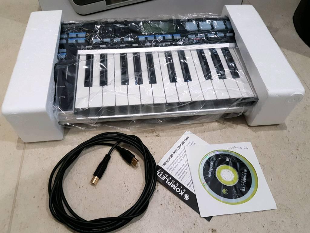 Samson Graphite 25 midi keyboard