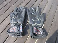 Small motor Cycle Gloves RST Black Leather Weymouth Free Delivery