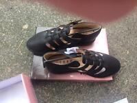 Size 6 gladiator style sandals