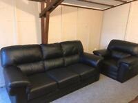 🛎 Beautiful black leather ~ 3 & 1 ~ sofas suite