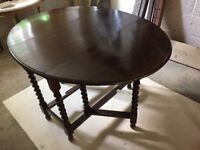 Antique gate-leg table in dark oak, beautiful patina