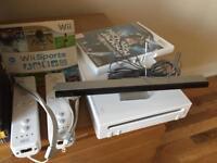 NINTENDO Wii - WHITE- MINT CONDITION