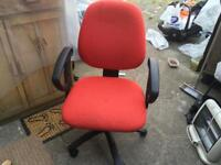 Computer chair in 5 wheels v.good condition used £15
