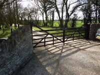 """Pair wooden """"heeled"""" gates, complete with hinges"""