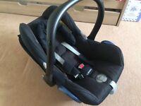 Maxi Cosi Car Seat & Isofix Car Base
