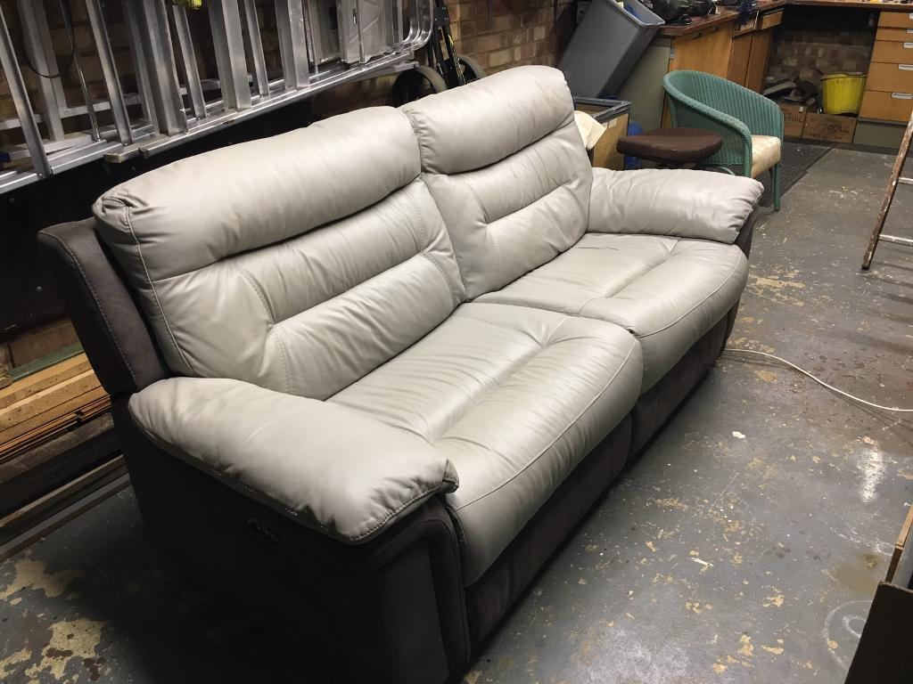 Marvelous Dfs 3 Seater Electric Recliner Sofa In Ipswich Suffolk Gumtree Gmtry Best Dining Table And Chair Ideas Images Gmtryco
