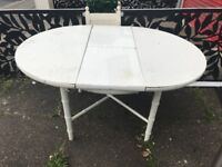 Pretty white dinning table, free