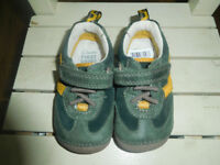 New Clarks baby boy shoes size 3F dark green