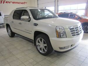 2009 Cadillac Escalade EXT LUXURY PKG AWD LOADED ONLY 2,300KMS.