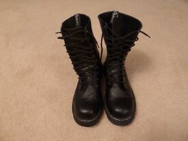 Gents black leather look boots