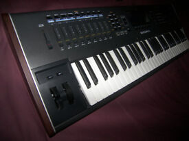 Never Used ! Kurzweil PC3 K6 , 61 Keyboard Production Station with Kore 64 and Ribbon Controller.