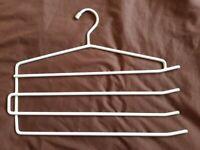 Multi Hanger (metal)