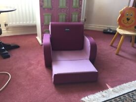 Chicco twist 3 in 1 chair £35 I candeliver if you live l.ocal call 07812980350