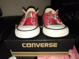 Red converse size 5 (21)