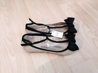 Shoes size 6 all new £5 each