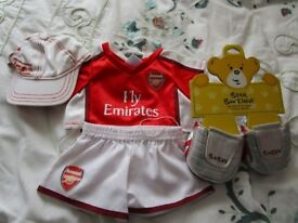 Build A Bear - Arsenal Football Outfit