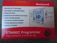 Honeywell programmer and thermostat