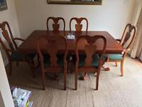 Mahogany extending dining table with 6 chairs
