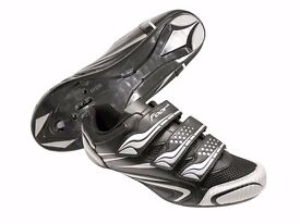 Cycling shoes - Used - Compatible with various cleats