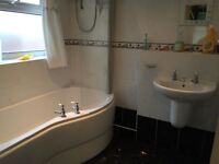 3 bed flat, furnished, Old trafford,close to metro link, bus stopall amenaties. Old trafford.
