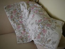 Pair of Curtains 90 inches drop x 44 inches width