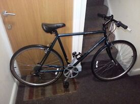 Trek Hybrid bike with 28 wheel size and 23 inch size
