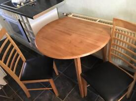Table and chairs (brand new)