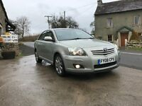 TOYOTA AVENSIS 2.2 D-4D 5 DOOR HATCHBACK,SAT NAV,EXCELLENT CONDITION INSIDE AND OUT,STUNNING CAR