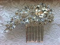 Silver coloured hair comb with clear jewels - brand new and unused - perfect for weddings/occasions