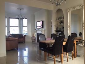 Stunning 4-5 bedroom house for rent on Upper Newtownards road with 2 story garage belfast