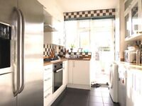Spacious 3 Double Bedroom House with 2 Reception Rooms in Wimbledon Chase with Private Garden !!!