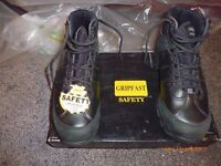Gripfast safety boots.. brand new