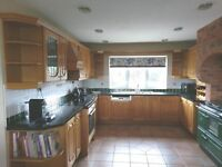 Used Solid Oak Kitchen with Emerald Pearl Granite worktop and all appliances and fittings