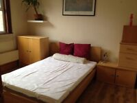1 double bedroom flat. Nice and bright. Close to transport links. Free parking