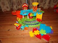 Toot toot garage, 4 cars and extra track