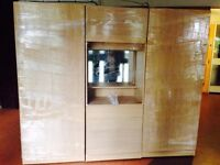 BRAND NEW 4 DOOR FAMILY FITMENT WARDROBE SET, DRESSER, LIGHT, SHELVES, DRAWERS, RAILS ASSEMBLED