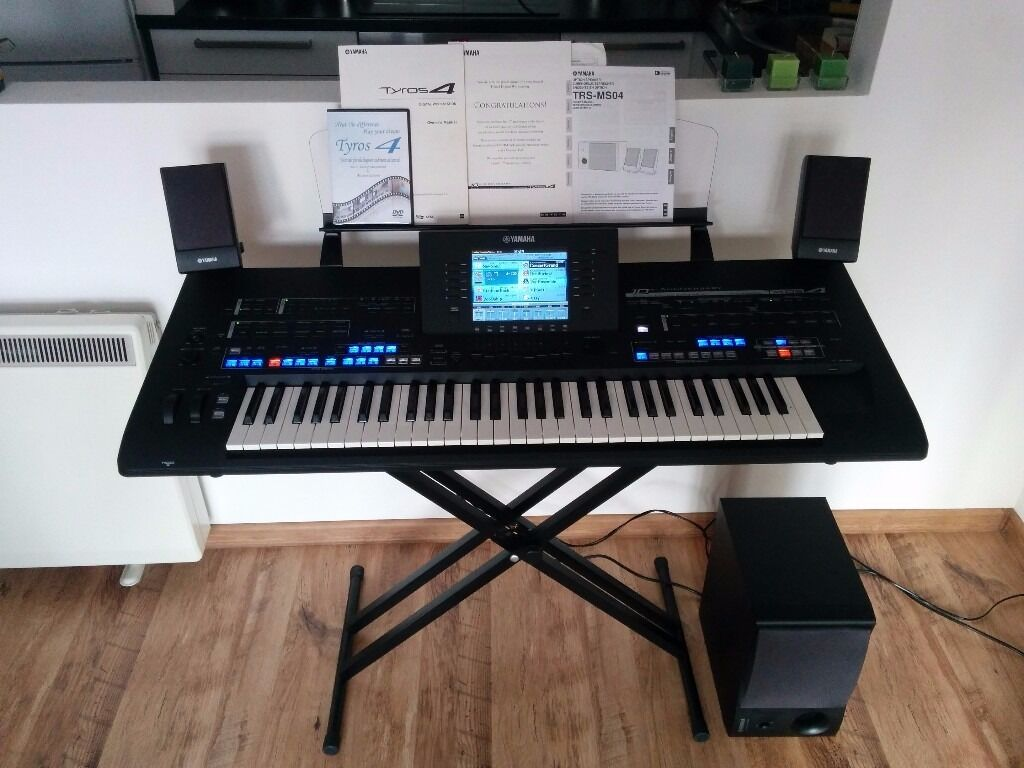 yamaha tyros 4 + speakers 10th anniversary immaculate condition +