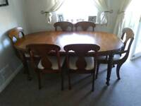 Great solid wood extending dinning table and 6 chairs