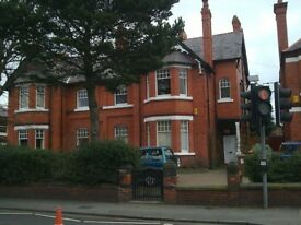 Large flat in a Victorian house close to centre of Chester