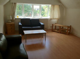 2 Bed Flat Didsbury available 25th November £750pcm