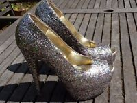 Ladies High Heeled Glitter Shoes, Size 5