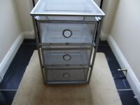 Mesh metal drawers, good condition
